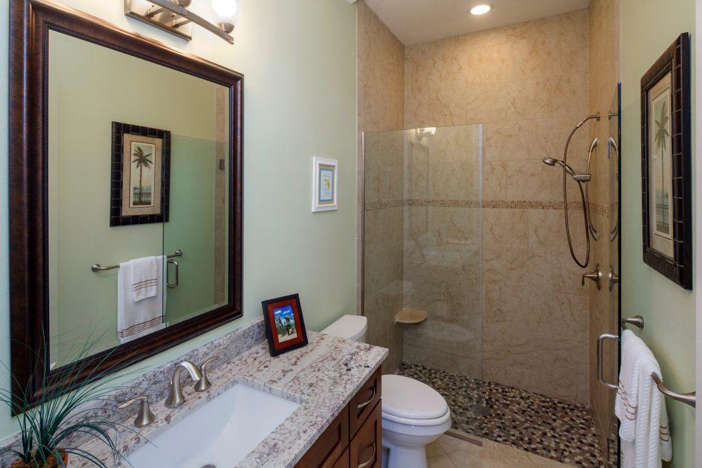 custom bath design built by Ayers, a custom home builder in Orlando